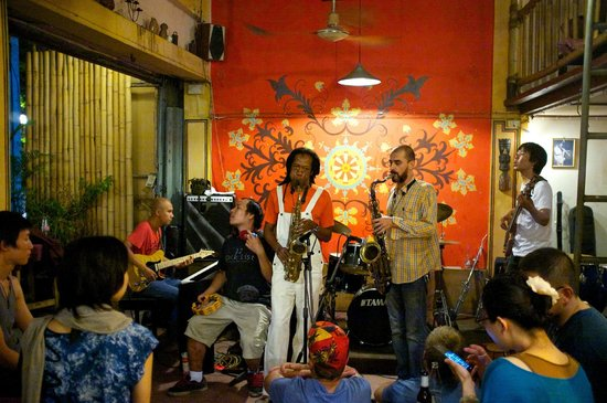 The North Gate Jazz Co-Op: Hot man on man sax