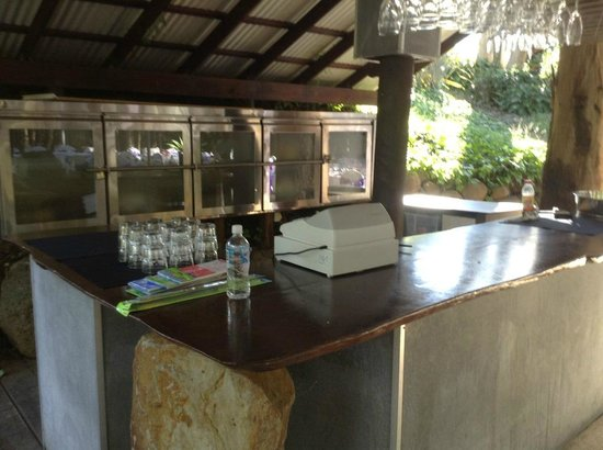 Cedar Creek Lodges: Bar area at wedding reception