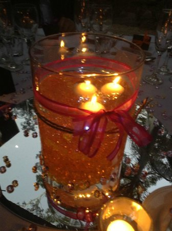 Cedar Creek Lodges: Wedding centrepiece at reception