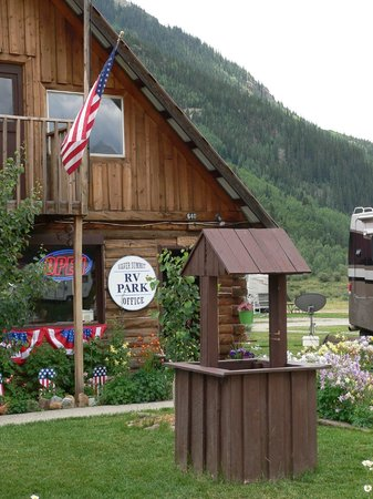 Silver Summit RV Park and Jeep Rentals: SIlver Summit Office