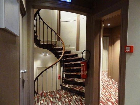 Inter Hotel Continental: Лестница