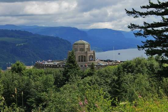 Columbia River Highway: Vista House for information and great views