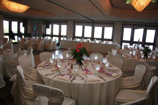 Catamaran Resort Hotel and Spa: Boardroom wedding reception