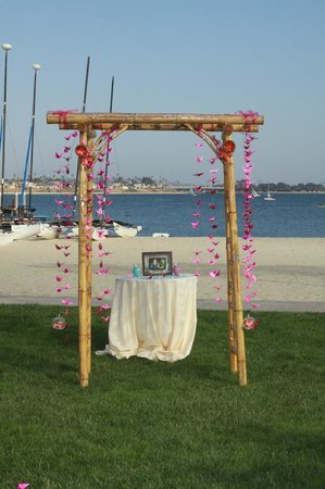 Bamboo wedding arch - Picture of Catamaran Resort Hotel and Spa, San ...