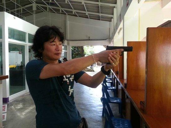 Phuket Shooting Range: グロック