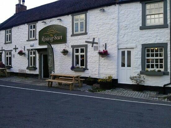 The Rising Sun Inn Restaurant: what a lovely country pub