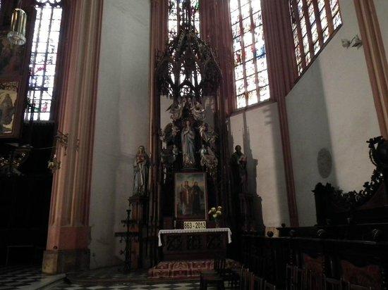 St. Wenceslas Cathedral: резные фигуры