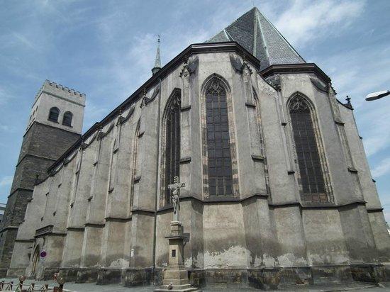 St. Wenceslas Cathedral: внешний фасад