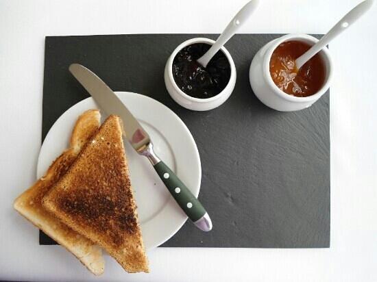 Merton Villa: Toast starter