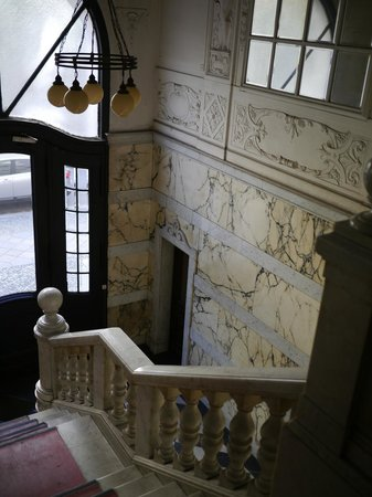 Pension Funk: Grand marble staircase and entryway
