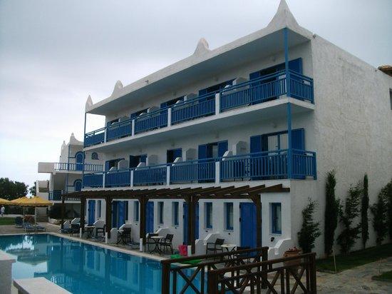 Mitsis Rinela Beach Resort & Spa: Room/suite