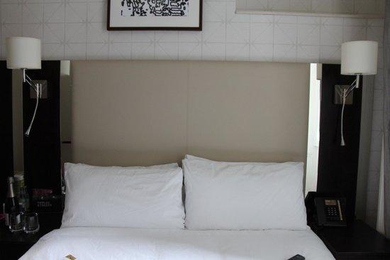 ริดเจส เคนซิงตั้น ลอนดอน: Bed