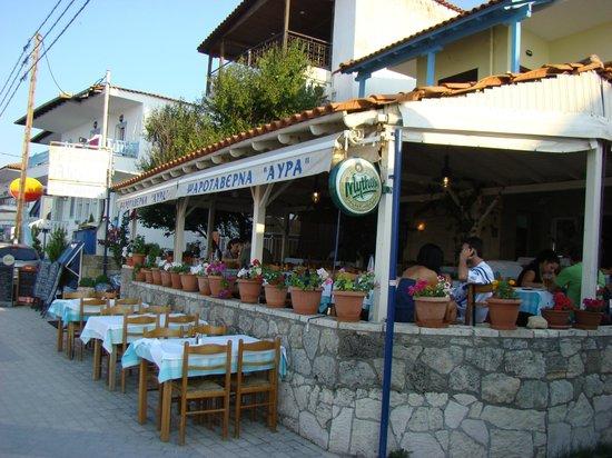 Polichrono, Yunanistan: Avra
