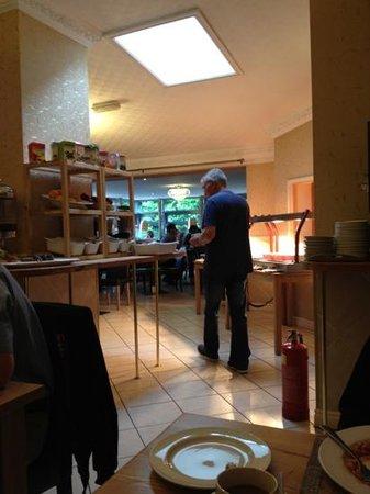 Beech Mount Hotel: breakfast room;)
