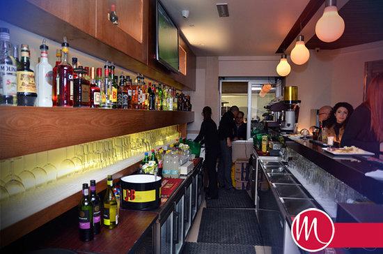 Mellos - Bar & Grill