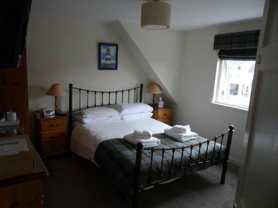 Glen Mhor Hotel & Apartments: Zimmer