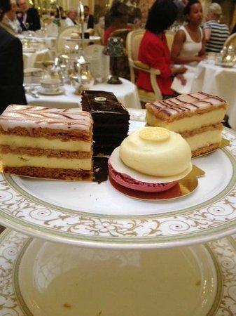 The Ritz London : Amazing tea time