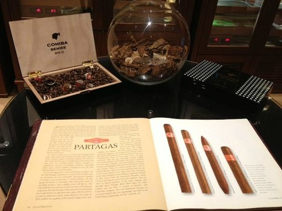 The Ritz London : Cave à cigarre