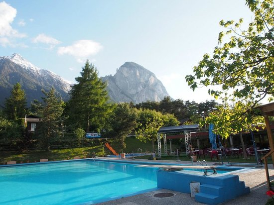 Bella Tola Camping: Pool