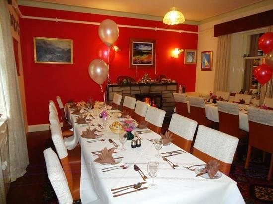 Struther Farmhouse: Their Larger Dining Room Set Up For A Birthday  Celebration