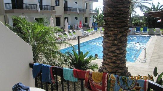 Hadjiantoni Anna Hotel Apartments: vista dalla ns stanza