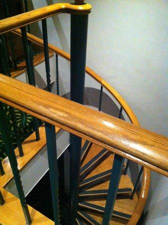 Bishop Lei International House: staircase
