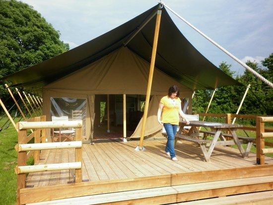 Cuckoo Down Farm: Nice veranda