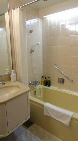 Tokyo Prince Hotel: Bathroom