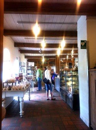 Olof Viktors bageri och café, Glemmingebro