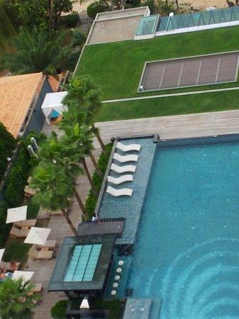 Cape Dara Resort: pool view
