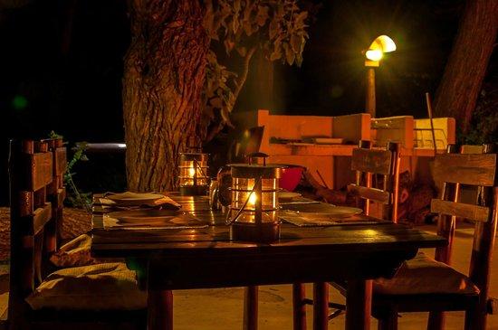 Kurhula Wildlife Lodge: Braai met kampvuur