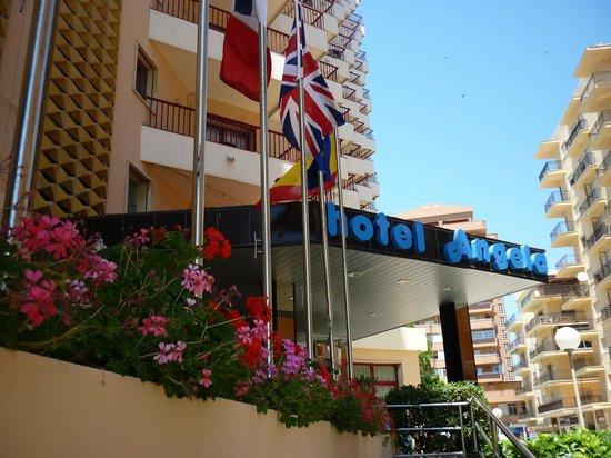 Angela Hotel: Hotel main entrance