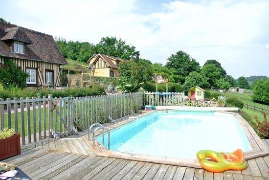 Domaine du Martinaa : La piscine
