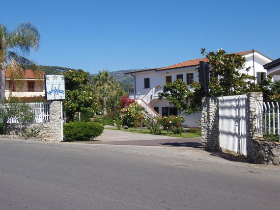 Hotel Il Gattopardo: Hoteleinfahrt