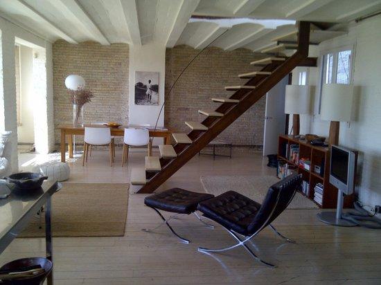 DestinationBCN Apartment Suites: Lounge - apartment Reial