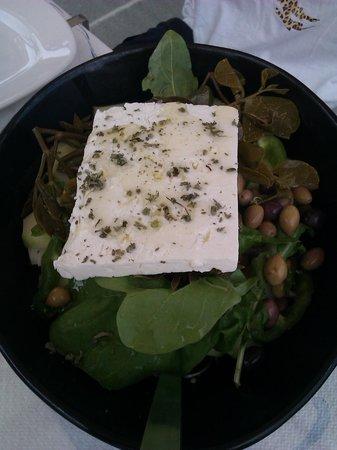 Taverna Ammos: Greek salad