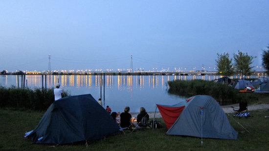Camping Zeeburg: Late night view