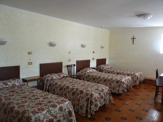 Convent garden picture of istituto san giuseppe di cluny for Di giuseppe arredamenti roma
