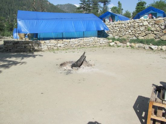 Kinner Camp Sangla : Bonfire area