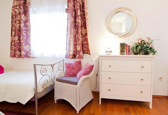 Suncani Apartmani: Room (apartment2)