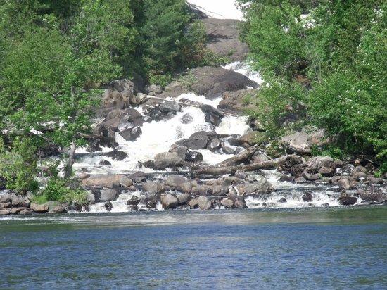 Oxtongue Lake Cottages: ragged falls on oxtongue lake