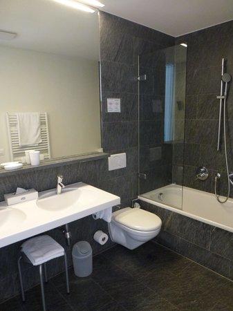 Hotel Stella Orselina : Bathroom