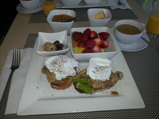 Orchid Inn : Breakfast day #2