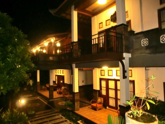 Pondok Pundi Village Inn & Spa: Four of the six rooms (two more down stairs at pool level)