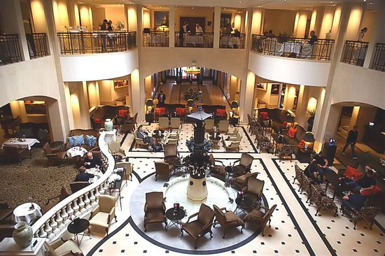 Hotel Adlon Kempinski : A welcoming reception area with plenty of room to relax.
