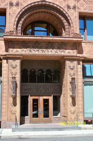 Buffalo City Hall: Beautiful terra cotta design on Guaranty Building