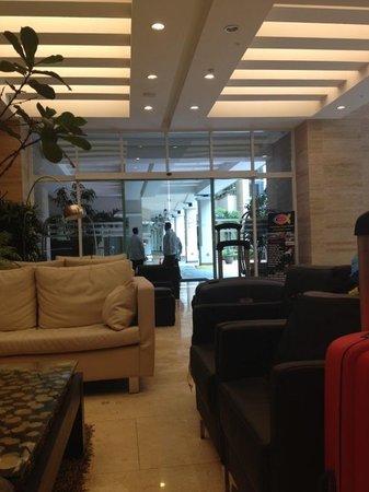 Central Park Hotel : The lobby