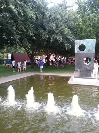 Nasher Sculpture Center: All this and fountains too