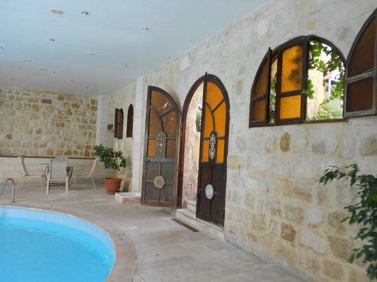 Amra Palace Hotel: la piscina