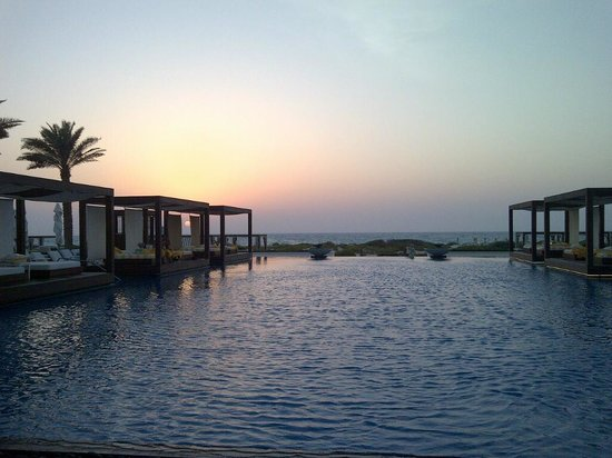 Monte Carlo Beach Club: Sunset @ Monte Carlo Saadiyat - Abu Dhabi